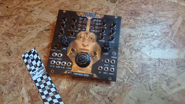 maneco labs Grone Drone Synth